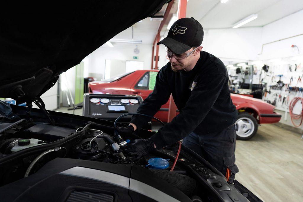 Auton ilmastointihuolto Sailokoskella Ylvieskassa